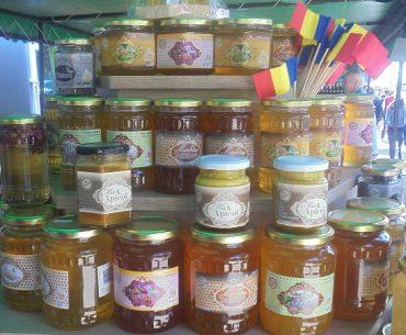 """Mierea din """"Prisaca Moldova"""" ajunge pe raftul hypermarketurilor europene"""