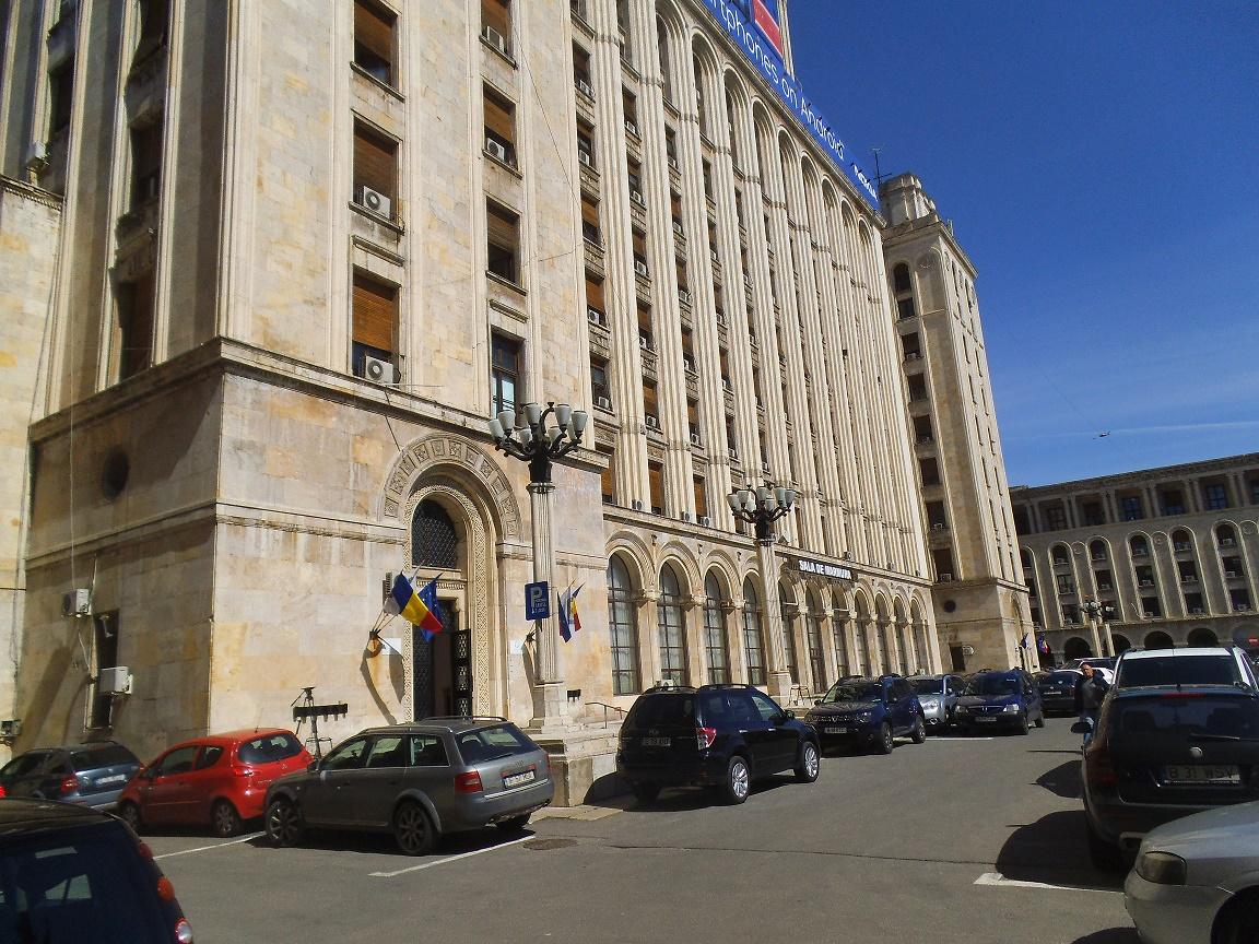 MOMENTUL ADEVĂRULUI: Cât de sănătoase sunt fructele și legumele românești și cele din import - o analiză realizată de echipa Lantulalimentar.ro pe baza rapoartelor oficiale din ultimii 11 ani