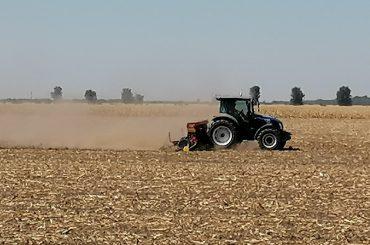Fermierii din Dobrogea îi cer lui Oros apa pe care nu le-a dat-o nici Daea