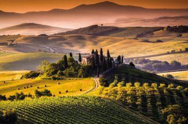 Cel mai mare târg de turism și HoReCa din Italia, organizat pentru prima oară în format digital; din cauza pandemiei, operatorii din turism promovează Italia pentru italieni