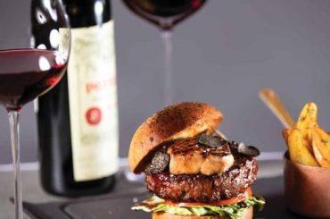 Cel mai scump hamburger din lume costă 5.000 de dolari și este preparat în Las Vegas de un bucătar francez