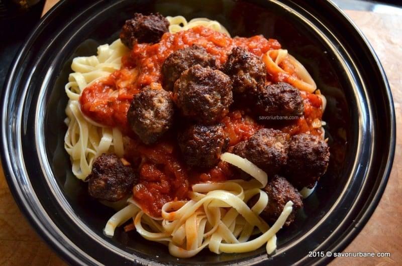 """""""Istorii pe pâine"""": italienii emigrați în Statele Unite au inventat mâncăruri noi, de pildă chiftele din carne de vită cu sos de tomate și spaghetti"""