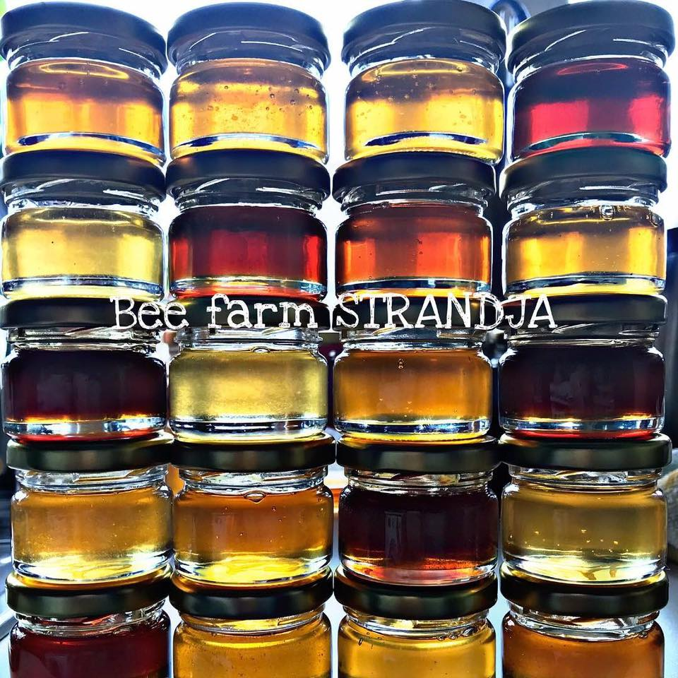 Afacerile agricole ale vecinilor bulgari: un cuplu de apicultori și-a dezvoltat stupina cu ajutorul fondurilor europene; tinerii fermieri cultivă și legume, pentru a-și aproviziona restaurantul cu meniuri ecologice