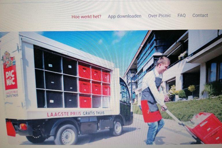 Se întâmplă în Olanda: o companie de curierat livrează produse proaspete de la fermă la domiciliu, cu vehicle electrice; afacerea olandezilor l-a încântat și pe Bill Gates